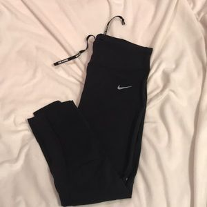 🌸3 for $30🌸 Nike DRI-FIT 3/4 length leggings